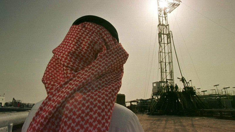 Fears $17bn oil rout could threaten big energy projects, corporate deals