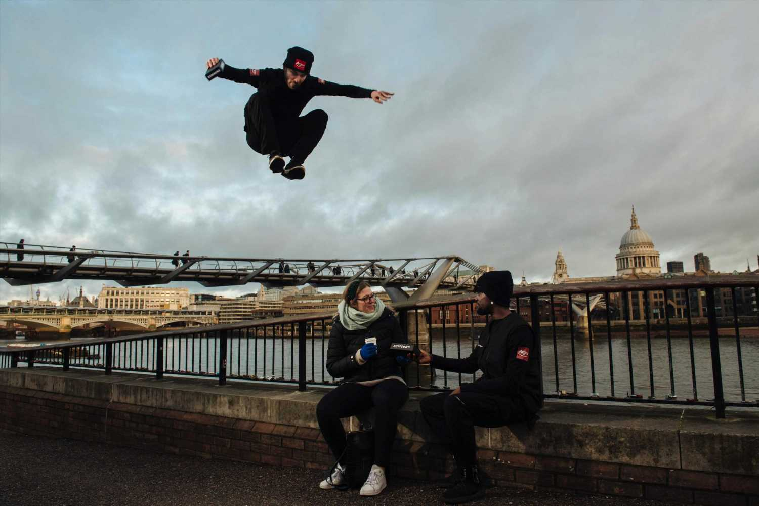 Argos offers free Samsung Galaxy S20 phones delivered by parkour runners days ahead of official release
