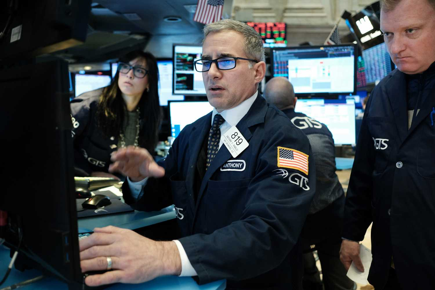 Dow loses over 2,000 points, worst single-day drop ever, as oil prices crash