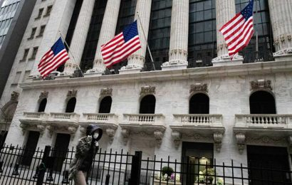 US government doesn't plan to shut down Wall Street over coronavirus