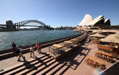 Australia Closes Pubs, Restaurants, Casinos as Infections Soar