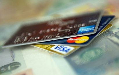 Pandemic Threatens Billions in Credit-Card Losses in Echo of '08