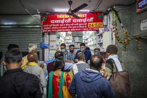 Modi Explores Spending Boost to Contain Virus Fallout