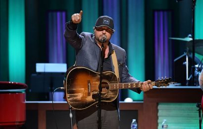 The Grand Ole Opry to Play on in An Empty Theater
