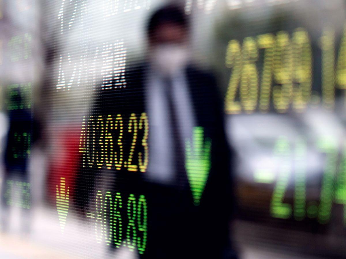 Asia Stocks to Slide; Bonds Soar on Virus Worries: Markets Wrap