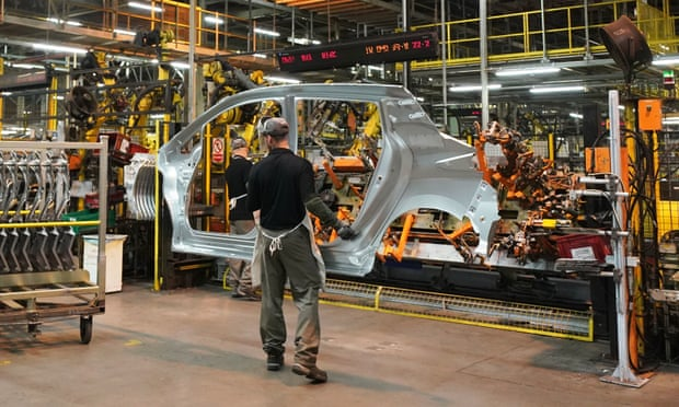 Nissan presses ahead with £400m Qashqai plan for Sunderland