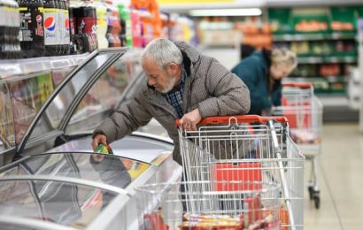 Government helps supermarkets target deliveries to vulnerable shoppers
