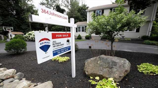 Coronavirus dragging Treasury yields to record low gives homebuyers a break