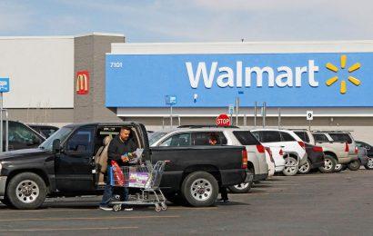 Coronavirus leads Walmart to set special time for senior shopping