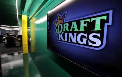 Sports Betting Firm DraftKings Closes Merger, Goes Public Despite COVID-19