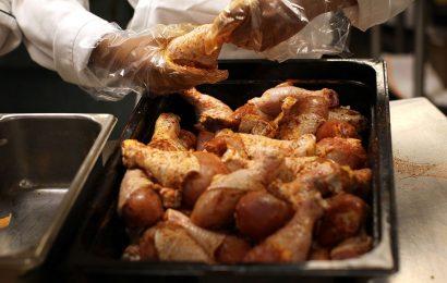 Boneless Chicken Starts to Vanish in U.S. Meatpacking Shutdowns