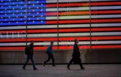 U.S. Stock Futures Extend Loss Following Gloomy Economic Data