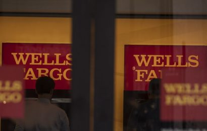 Wells Fargo Says Fed Cap Is Limiting Small-Business Relief