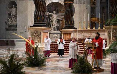 Pope Francis Celebrates Palm Sunday Without Public