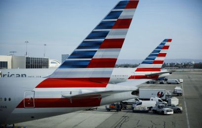 American Airlines Joins United in Slashing New York-Area Flights