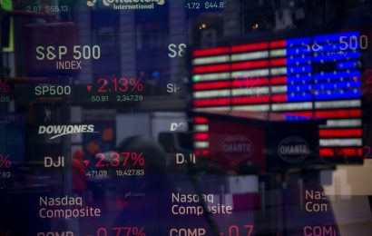 U.S. Retirement Savers Stayed Calm While Stock Markets Plunged