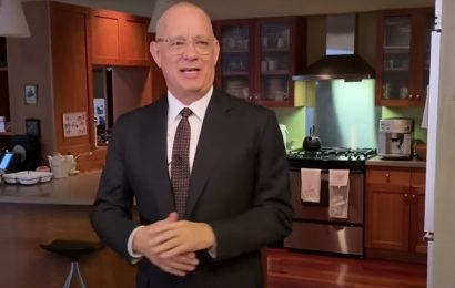 'SNL' Returns for Work-at-home Version With Host Tom Hanks