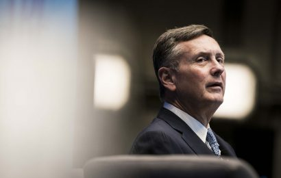 Clarida Says Economy May Need More Fiscal, Monetary Support