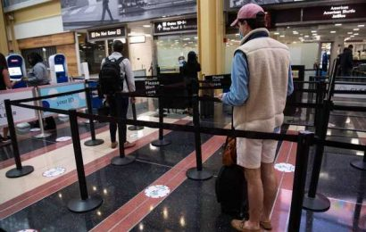 Air Travel Gets Memorial Day Bump to Levels Unseen in Weeks