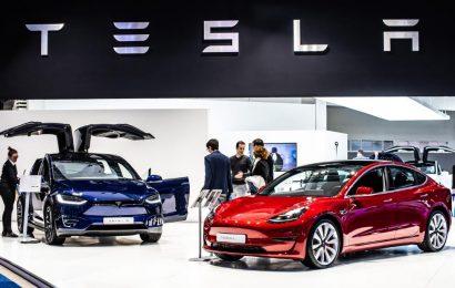 Tesla Model 3 earns top safety award