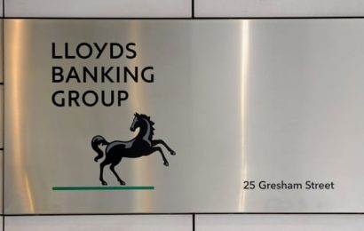 Lloyds rushes to fix flaw that stopped firms receiving Covid loans