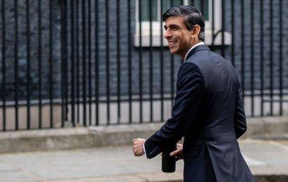 Rishi Sunak panic: Wages could SOAR in 2021 sparking chaos for ALL state pensioners