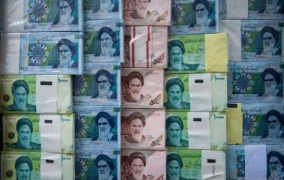 Iran's Currency Plunges Against Dollar Amid Virus, Sanctions