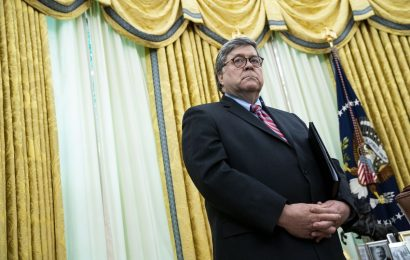 Barr Says Secret Service Told Trump to Go to White House Bunker