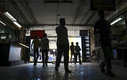 India Shadow Banks Cut at S&P as Pandemic Worsens Liquidity Woes