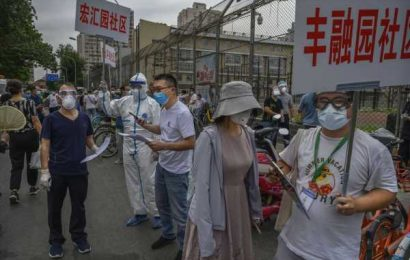 Beijing Struggles to Stem Virus as Cases Spread Beyond Capital