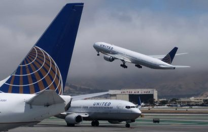 Options traders bet on more pain for the airlines when United reports earnings
