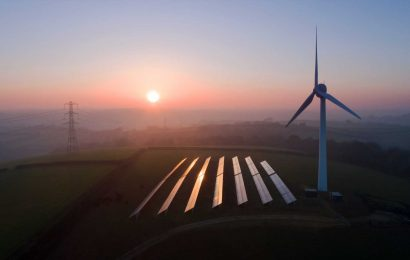 UK hopes to ramp up battery storage and boost renewables by loosening planning rules