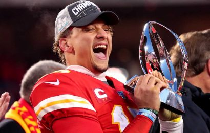 Patrick Mahomes' 10-year extension with Kansas City Chiefs is worth more than $400 million