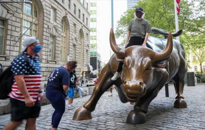 What to watch today: Wall Street looks to build on last week's momentum