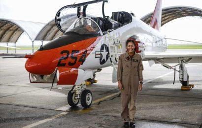 Madeline Swegle makes history as U.S. Navy's first Black female tactical jet pilot