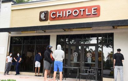 Chipotle pledges to hire 10,000 workers as it reopens dining rooms