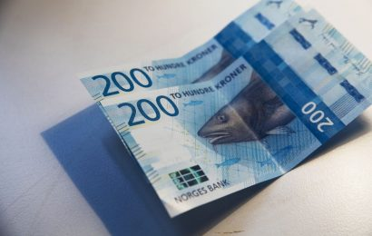 Norway's World-Beating Krone Risks Catch-Up by Swedish Currency