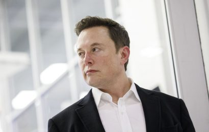 Elon Musk Taunts the SEC Again Amid Surge in Tesla Stock Price