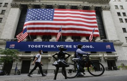 Stocks fight for gains as NYC enters Phase 4 of coronavirus reopening