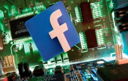 Facebook smashes revenue estimates amid pandemic, forecasts ad growth