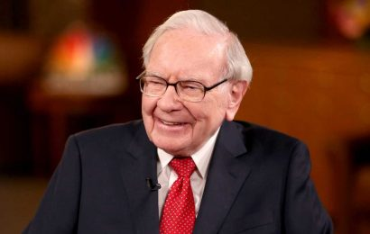 Billionaire Warren Buffett just turned 90—here are 6 pieces of wisdom from the investing legend