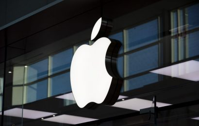 As Apple Nears $2 Trillion, Its Share of S&P 500 Hits Milestone