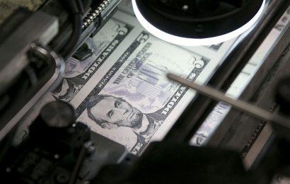 Dollar Steady; Asia Stocks Point to Softer Start: Markets Wrap