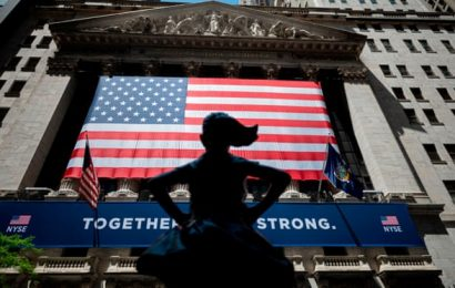 Turnaround on Wall Street as S&P index hits new high