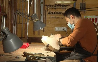 Expert violin-makers in Italy spend 3 months making a single instrument —but mass-produced violins from China are flooding the market