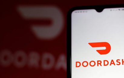 Doordash is coming for Instacart's bacon, with new grocery delivery options