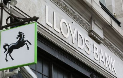 Lloyds Bank customers could get £100 paid into bank account this month – this is how