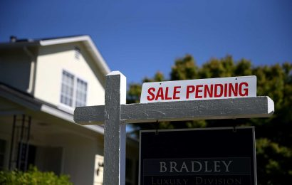 August pending home sales soar to a record high, fueled by rock-bottom mortgage rates