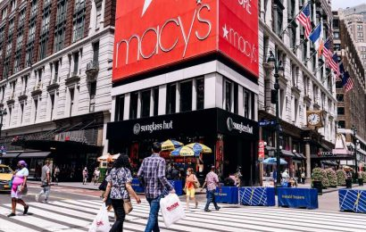 Options traders disagree on where Macy's earnings could take the stock