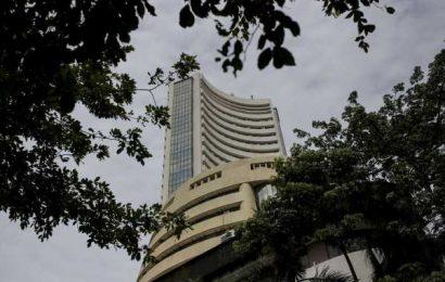 India Telco Stocks Extend Gains After Court Verdict; Sensex Dips